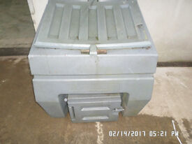 Plastic bunker with damage to lid could be repaired or another lid,