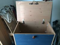 Wood storing chest