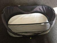 Munchkin travel basket with mattress