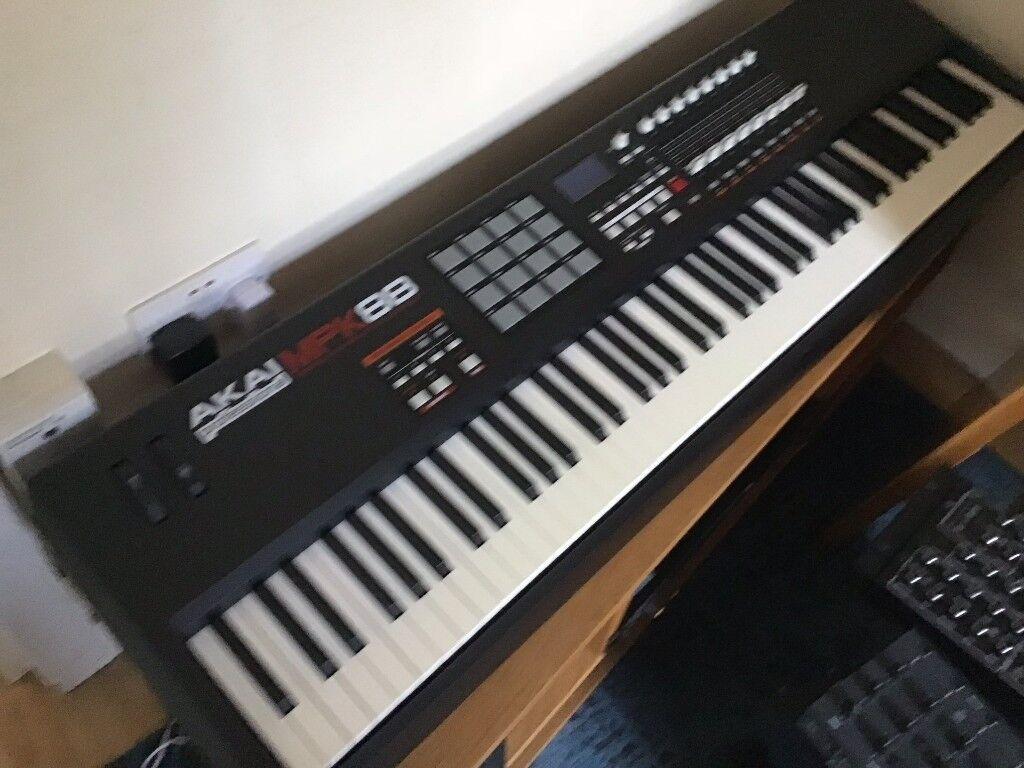AKAI MPK88 USB/MIDI Keyboard Controller 88 Keys Hammer Action | in Hackney,  London | Gumtree