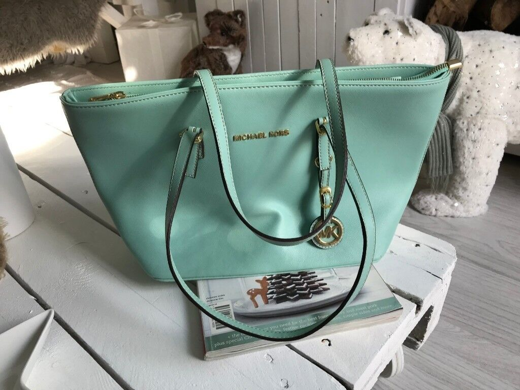 51bb8ceb7ea0 Michael Kors Mint Jet Set Tote Bag £70 retail £260