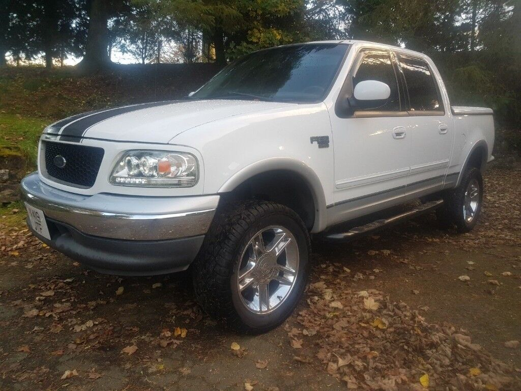 Ford f150 crew cab american pick up truck