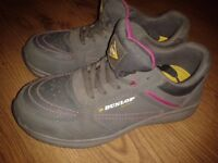 Women safety shoes size 4 Dunlop worn just 1 month