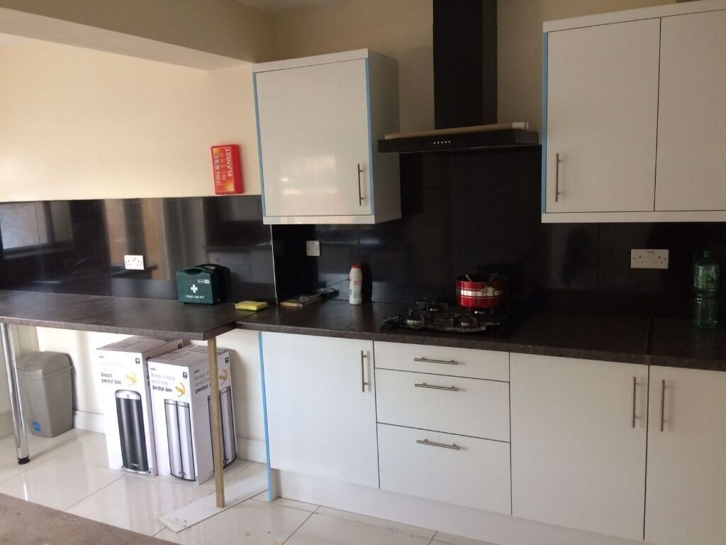 BRAND NEW STUDIO FLATS NEAR VALENTINES PARK ILFORD. *RENT INCLUDES ALL BILLS EXCEPT COUNCIL TAX*