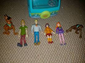 Scooby Doo van with characters