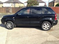 Automatic hyundia Tuscan. 4x4 12 months mot 1 owner