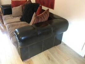 STUNNING LEATHER / FABRIC SUITE WITH DEEP BACK AND PLUNGE CUSHIONS