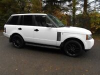 White Range Rover Vogue 2005, 3 Litre, diesel with only 64,500 mls.