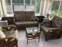 Conservatory set - settee, 2 chairs & table