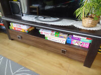 TV stand and 2 cabinets - Excellent Condition