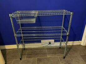 Adjustable wire shelving unit
