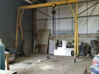 Sharebex -Willetts 1.5t mobile gantry with chain hoist