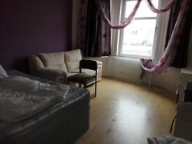 Nice flat in Paisley near Glasgow airport and UWS