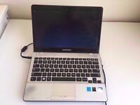 GOOD CONDITION SAMSUNG NP305U NOTEBOOK WITH 4GB RAM 500GB HARD DRIVE WIFI BLUETOOTH ALL
