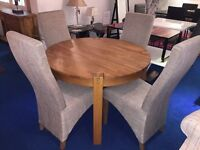 Premium Quality Round Solid Oak Dining Table + 4 Highback Fabric Chairs rrp £1099