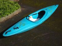 Pyranha Stunt 300 Kayak with Backrest and 2x Bouyancy Air Bags