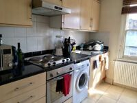 Large Double Bedroom Female Flatshare - just 1 min from Caledonian Road Tube, Islington