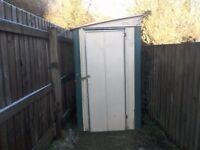 Small garden shed free to collect must be gone 29/12/17