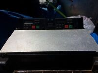 DENON DISCO 2000 DOUBLE CD PLAYER IN GOOD WORKING CONDITION.FLIGHT CASE INCLUDED.