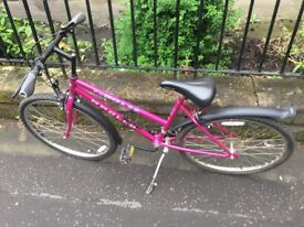 Apollo bicycle ladies/girls pink colour frame size 18 Fully working