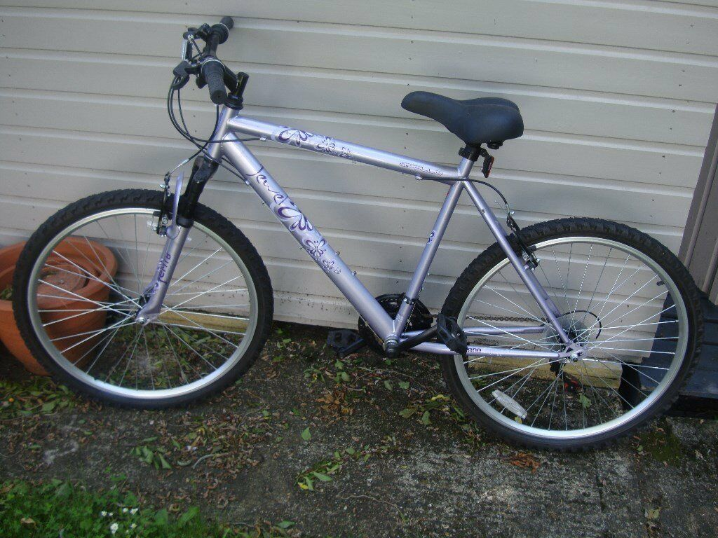 Apollo Jewel Womens Mountain Bike 2010 In Kingsbury London
