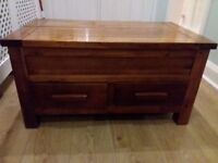 Coffee table, solid wood witth drawers and top opening fod extra storage