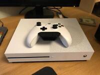 Xbox One S (White, 500GB).