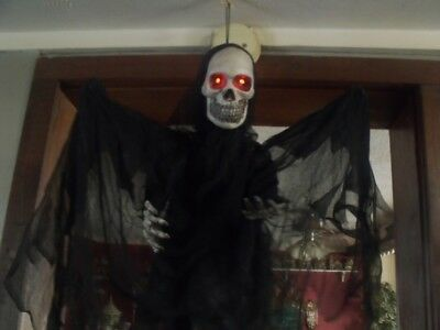 HALLOWEEN HANGING MOVING ANIMATED TALKING GRIM REAPER SKELETON WINGS FIGURE PROP