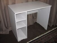 White wooden desk for Sale