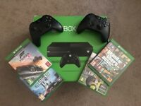 Xbox One 500gb plus 2 controllers and games