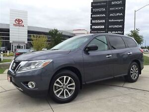 2013 Nissan Pathfinder AWD LOW MILEAGE, POWER WINDOWS AND DOOR L