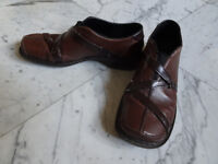 Beautiful brown leather Rieker womens shoes size 5.5