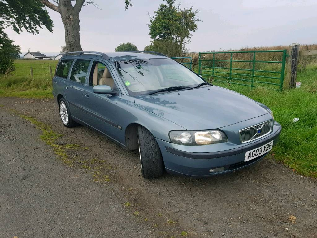Volvo v70 d5 turbo diesel estate car has 11months mot