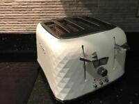 DeLonghi Brilliante Designer Toaster