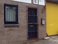 Industrial Unit to Let Chulmleigh 70 sq m (750 sq ft) Up & over Roller Door, Office & Toilet