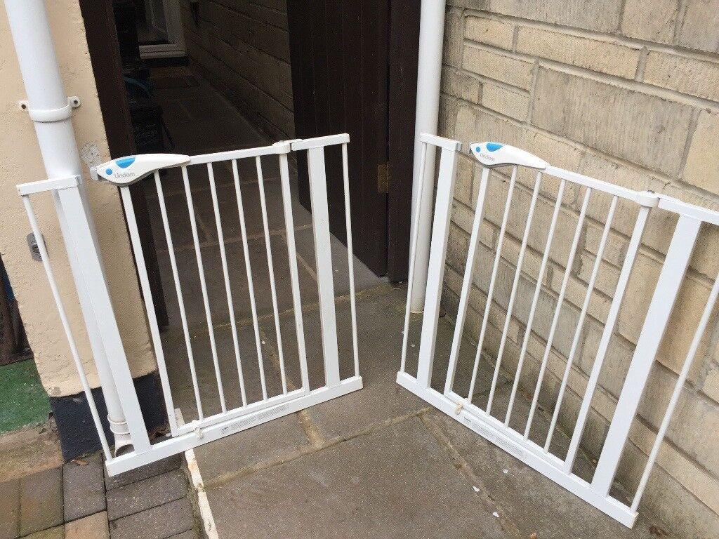 STAIR GATES X 2
