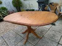 Solid pine oval extending table