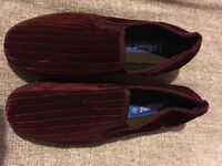 Men slippers- new