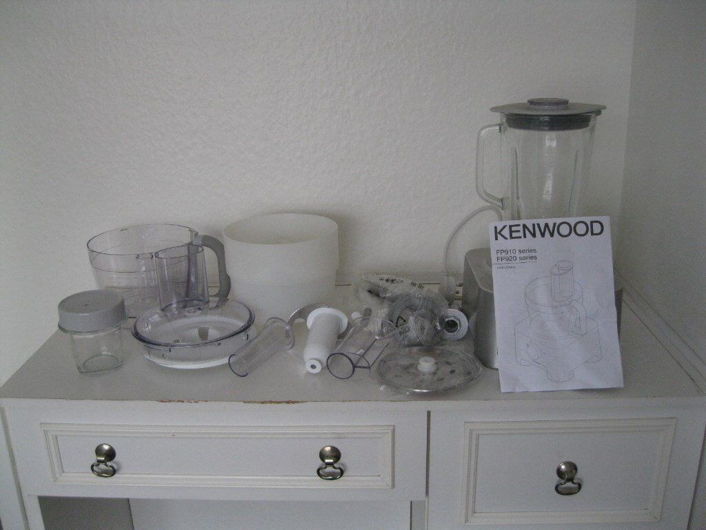 KENWOOD MULTI PRO FP920 FOOD PROCESSOR WITH ACCESSORIES