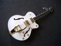 NEW GRETSCH WHITE FALCON COPY BY ALDEN SEMI ACOUSTIC GUITAR WHITE/GOLD H'WARE