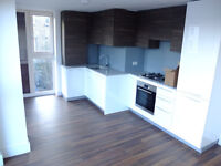Stunning 2 bed 2 bath in Hendon ideal for students/companies! only £1550pcm!