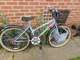 ladies vintage raleigh classis 18 inch frame bike with basket and lock