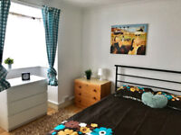 Lovely double room in Bilston for £75pw most bills inclusive of rent.