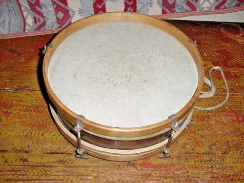 ANTIQUE WOOD  SNARE DRUM C1900  OR EARLIER MARCHING DRUM