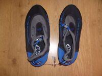 size 7 sea shoes