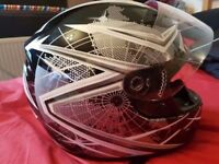 THH TS-39 #10 Globe Full Face Motorcycle Helmet Large Black/Silver