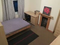 LARGE DOUBLE ROOM Available in fully furnished house with Jacuzzi. (£330 Inc All Bills)