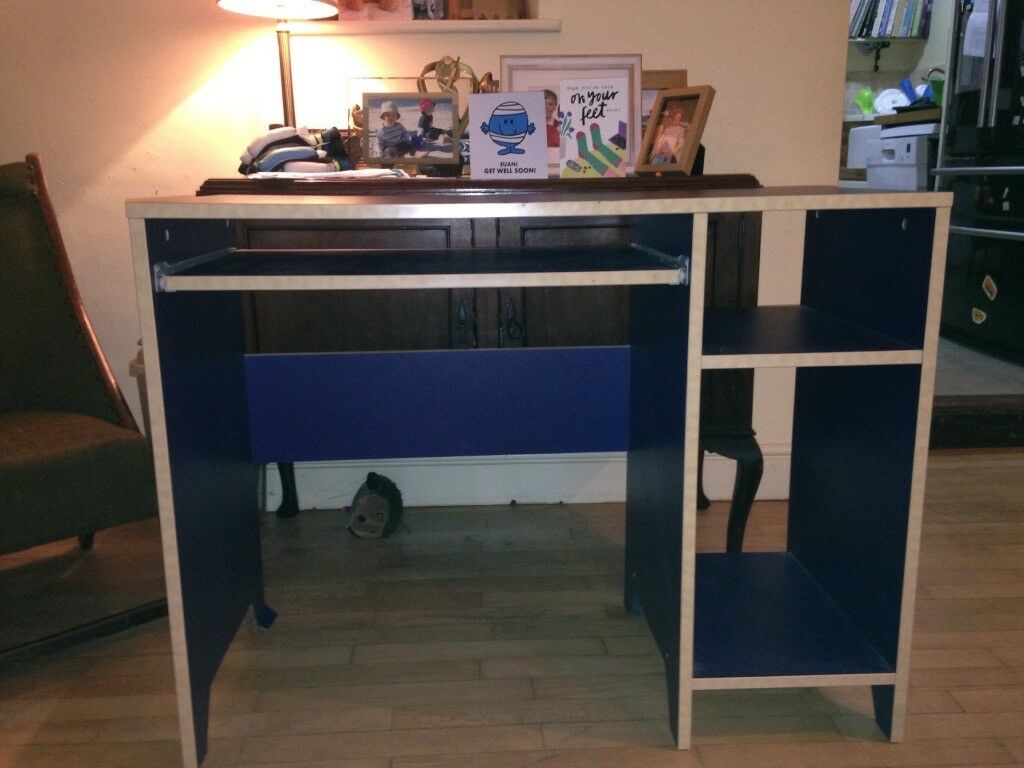 Blue desk in good condition