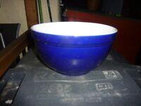 Baking/mixing bowl.