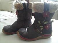 Girls Clarks boots 7.5G